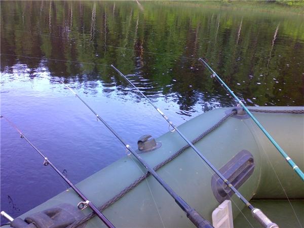 что необходимо для ловли с лодки
